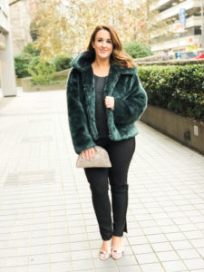 NYE Outfit Ideas - full body faux fur